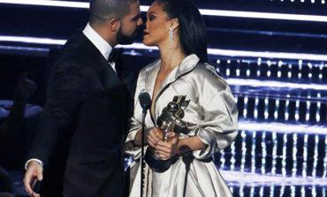 MTV mükafatlandırma gecəsində Drake və Rihanna'nın öpüşməsi gecəyə damğa vurub