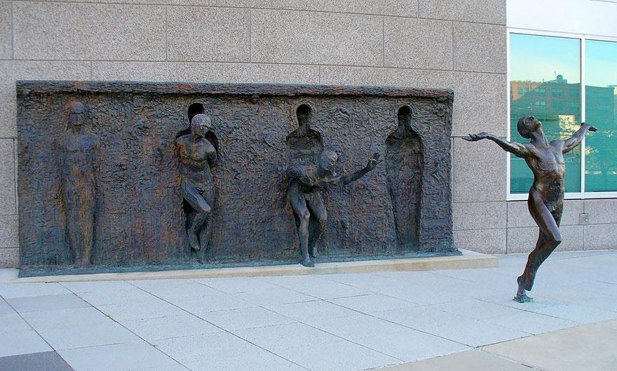 amazing-sculptures-6-57baeec3bb4df__880