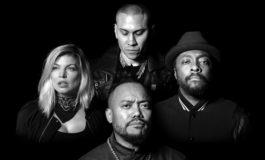 Türk Bayrağı, Aylan və Umran Black Eyed Peas'in 'Where is the love?' klipində yer alıb