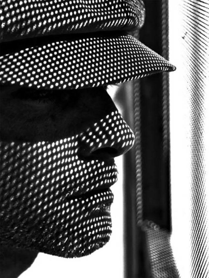 creative-hard-shadow-photography-35-57e2780c408ea__700