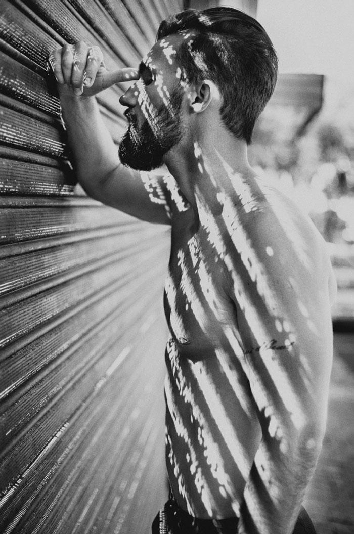 creative-hard-shadow-photography-36-57e278b320c3f__700