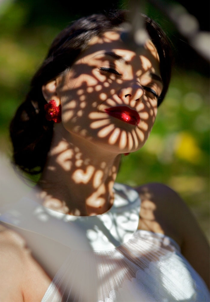 creative-hard-shadow-photography-43-57e27cd9a7b3e__700