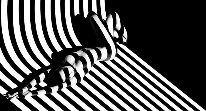 creative-hard-shadow-photography-5-57e22f6ace40e__700