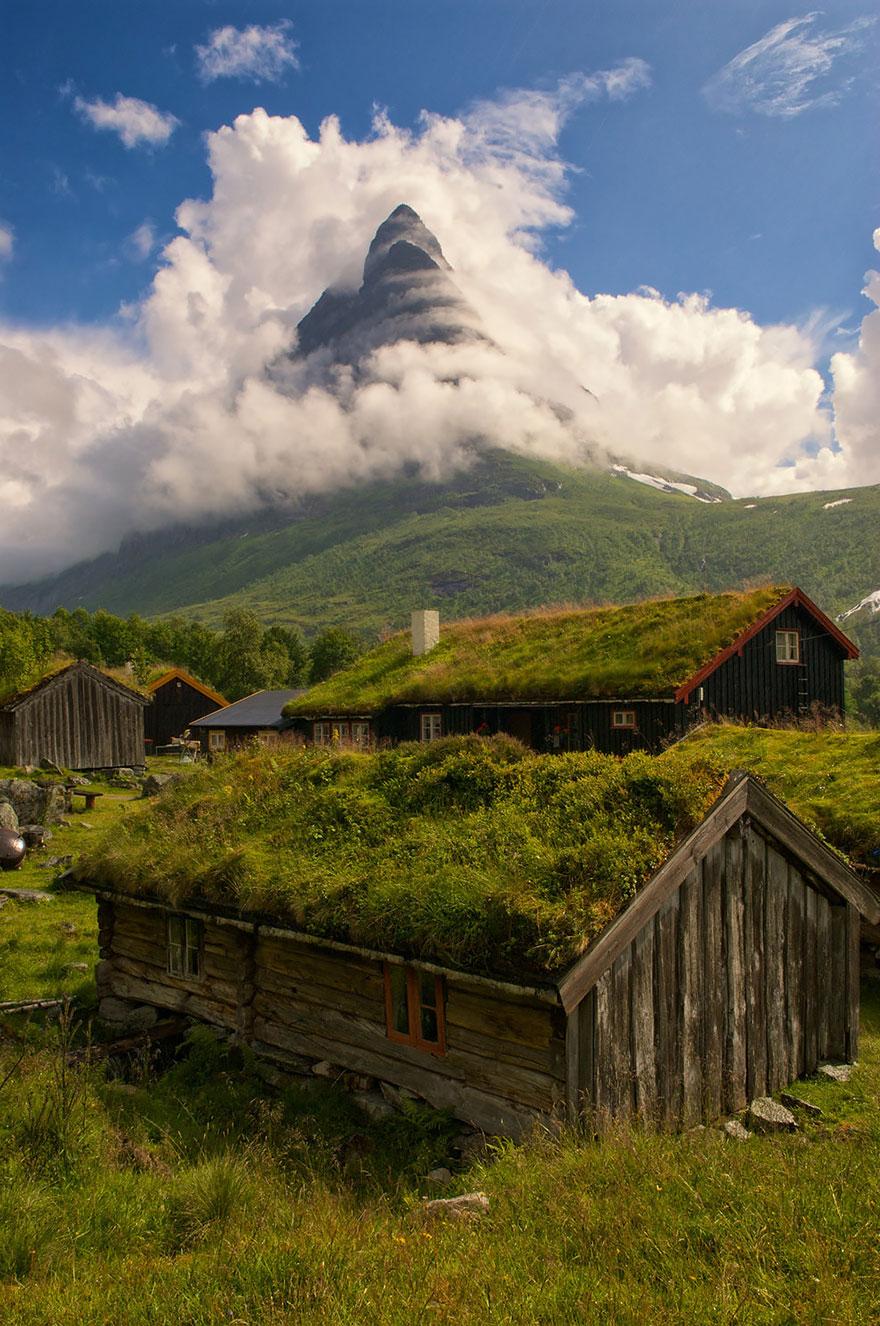 fairy-tale-villages-4-57221a513b67c__880