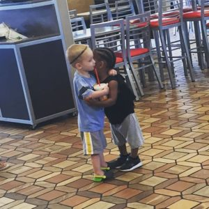 good-kids-acts-of-kindness-restore-faith-humanity-parenting-13