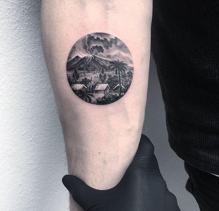 miniature-circular-tattoo-eva-krbdk-21-57a3018c790cf__700