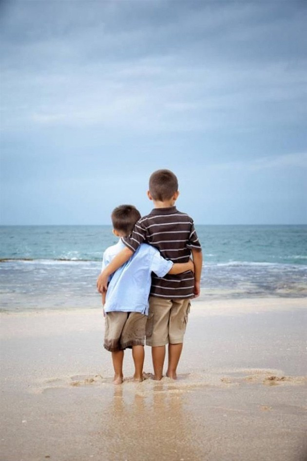 wonderful-pictures-of-siblings-8