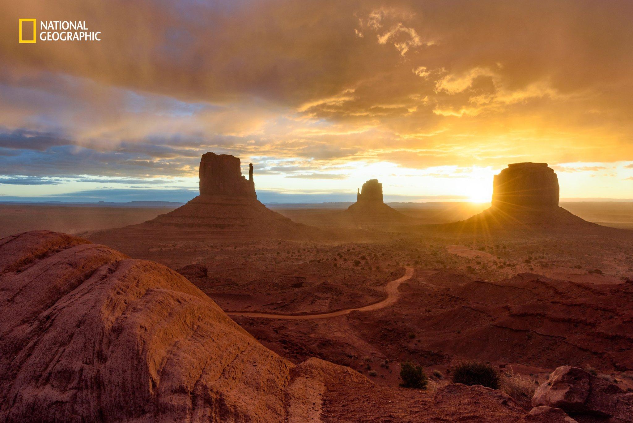 daybreak-monument-valley