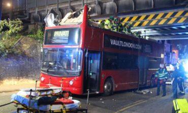 London'da ağılalmaz avtobus qəzası (Video)