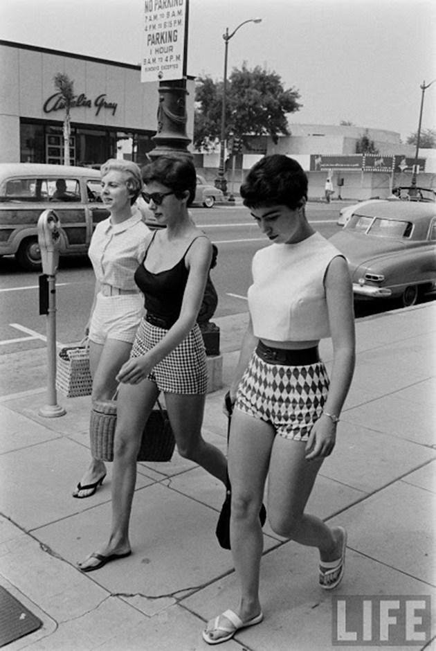 female-short-pants-1950s-1