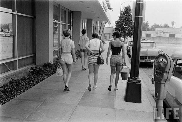 female-short-pants-1950s-3