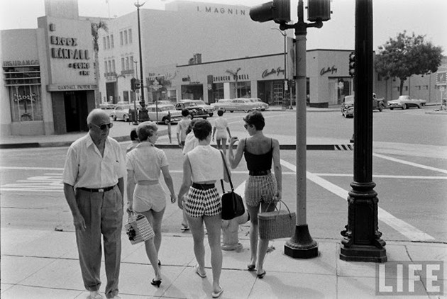 female-short-pants-1950s-5