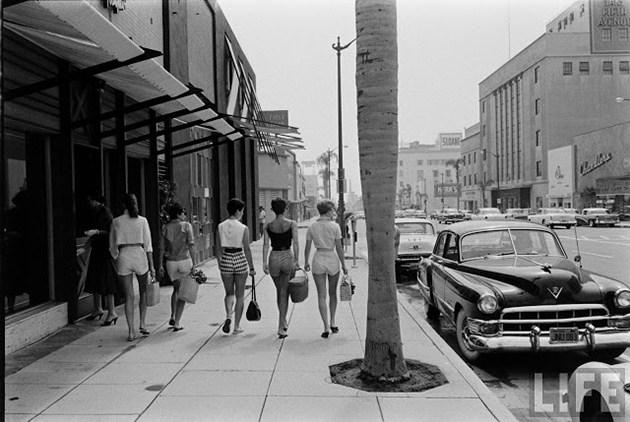 female-short-pants-1950s-6