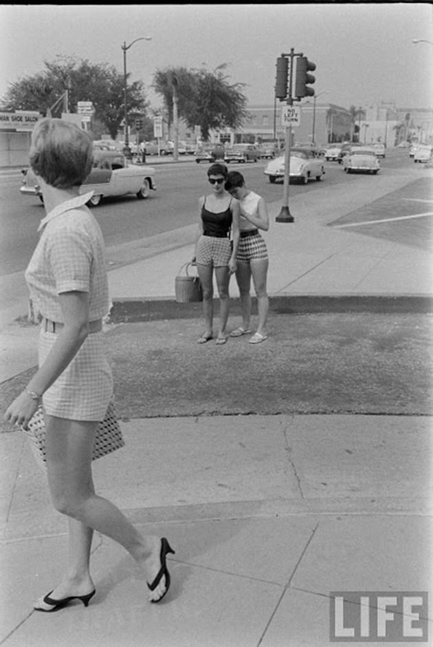 female-short-pants-1950s-7