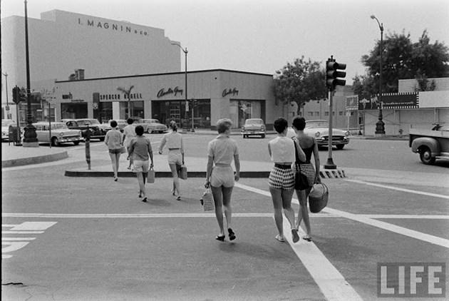 female-short-pants-1950s-8