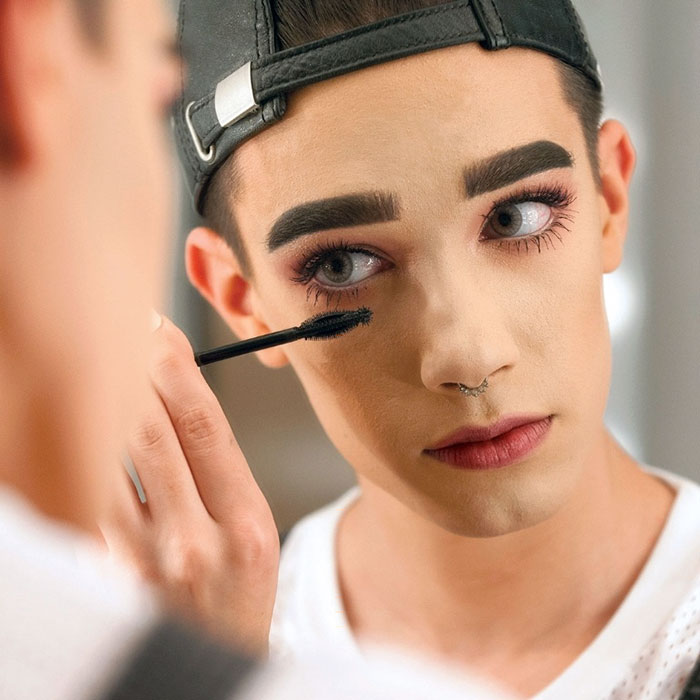 first-male-covergirl-spokesmodel-james-charles-23