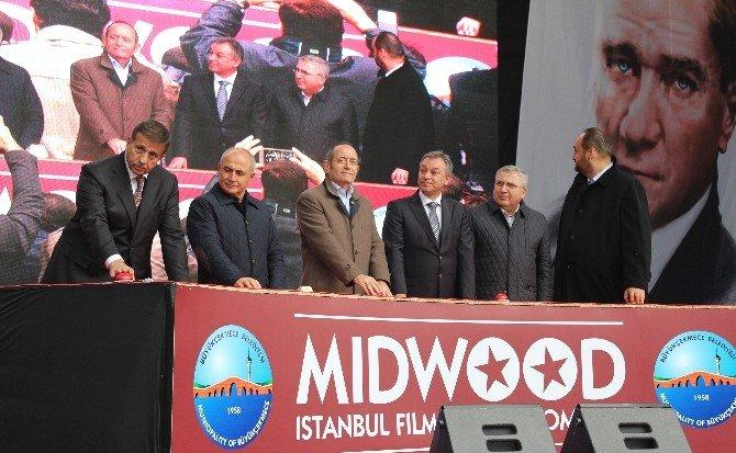 hollywood-bollywood-ve-avrupa-sinemasina-dunya-standartlarinda-film-studyolari-001