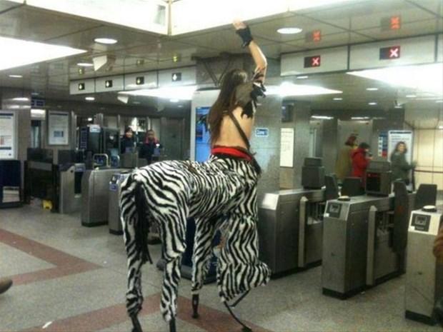 metronun-en-garip-insanlari-1483899