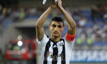 Araz Abdullayev Portuqaliya klubuna transfer olur