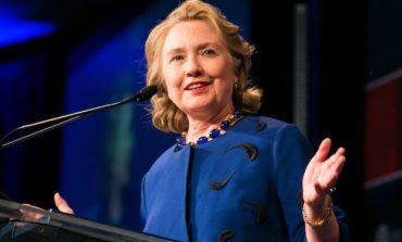 Hillary Clinton'dan təsirli çıxış və etiraflar