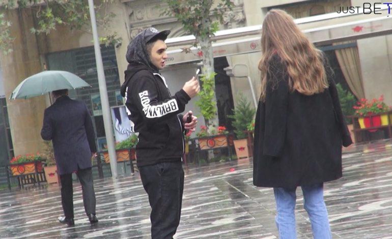 Bakı'da sosial eksperiment | Qızlar iPhone qarşılığında nəyə razı olar? | Video