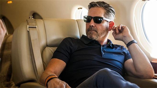 Narkotik asılılığından qurtulub 30 yaşında milyoner olan sahibkarın həyatı