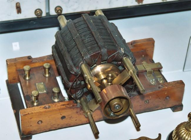 Orijinal bir AC Tesla Modulu Motoru-British Science Museum, London.
