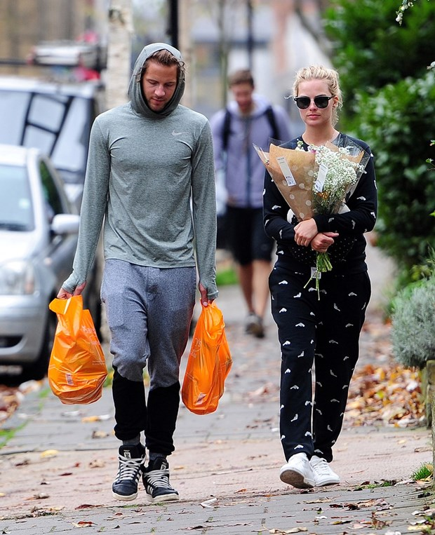 yaaz.az Margot Robbie ve Tom Ackerley evlenibler
