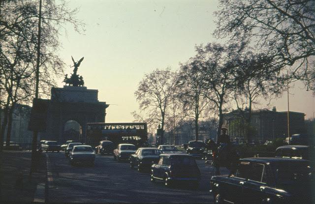 Wellington Arch / London 1974