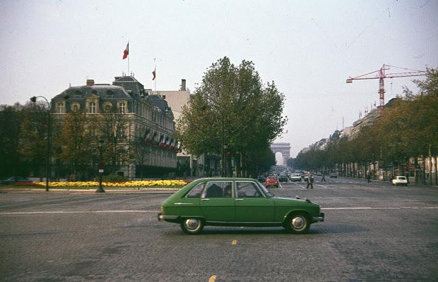 Şanzelize Prospekti / Paris 1976