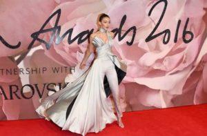 yaaz.az Gigi Hadid ilin modeli 2016