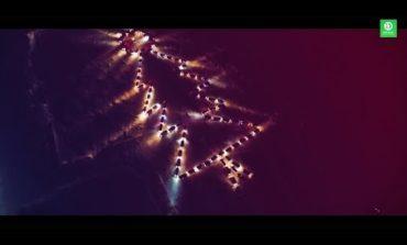 Rus sürücülər, maşınlarının işıqları ilə nəhəng Milad ağacı yaratdılar | Video