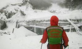İtaliyada qar uçqunu altında qalan 8 nəfər sağ tapılıb