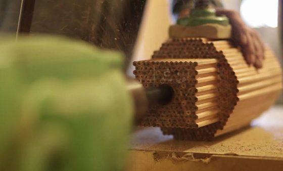 Karandaşlardan güldan yaratdı | VİDEO