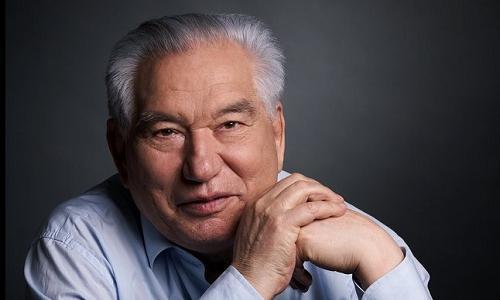 yaaz.az Çingiz Aytmatov (1928-2008)