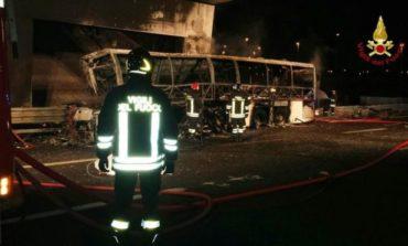Macarıstanlı şagirdləri daşıyan avtobus İtaliyada qəzaya uğrayıb - 16 itki