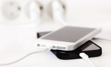Telefonun gecədən səhərə kimi enerji yığması zərərlidir?
