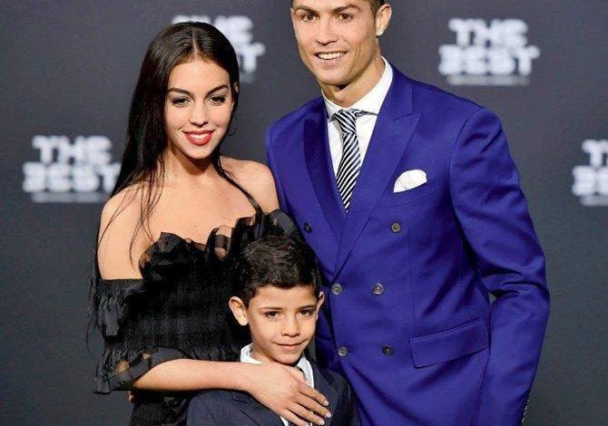 Cristiano Ronaldo evlənməyə hazırlaşır