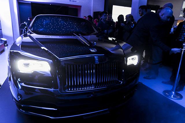 "yaaz.az ""Rolls-Royce ""Wraith Black Badge"""