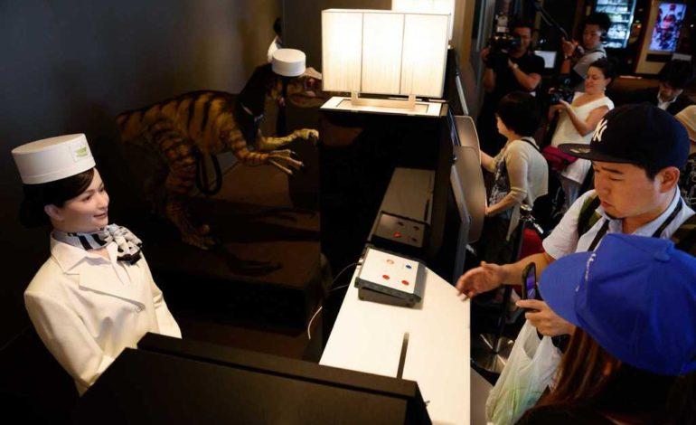 Yaponiyada yeni açılan oteldə işçi qüvvəsini robotlar əvəz edir