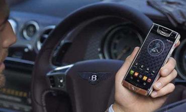 'Axtarışda olan' türk biznesmeni lüks telefon markası Vertu'nu satın aldı