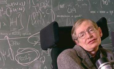 Stephen Hawking: Texnoloji inkişaf hamımızı məhv edə bilər