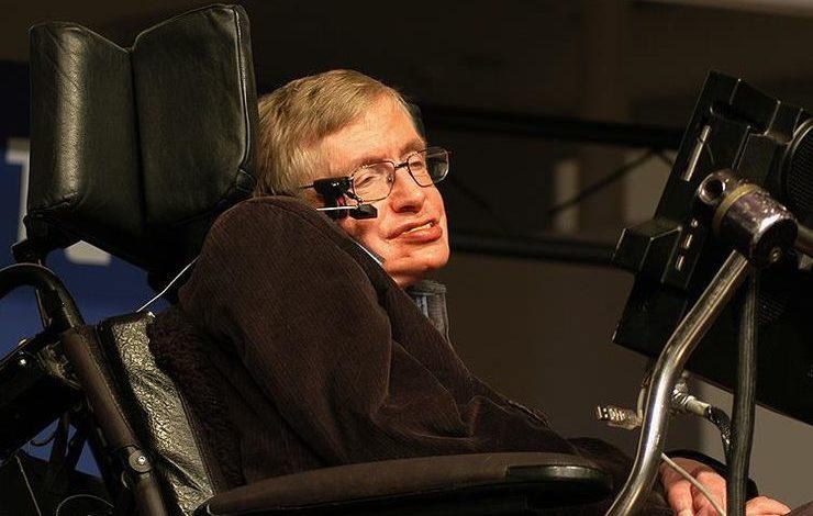 Stephen Hawking kosmosa səyahətə hazırlaşır