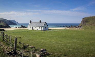 Şotlandiyada səyyahlar üçün ödənişsiz evlər: Əsl cənnət