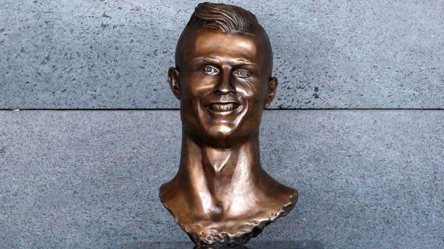 Cristiano Ronaldonun qalmaqallı büstünün müəllifi tənqidlərə cavab verdi